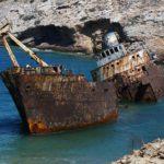 ship-wreck-2020989_640